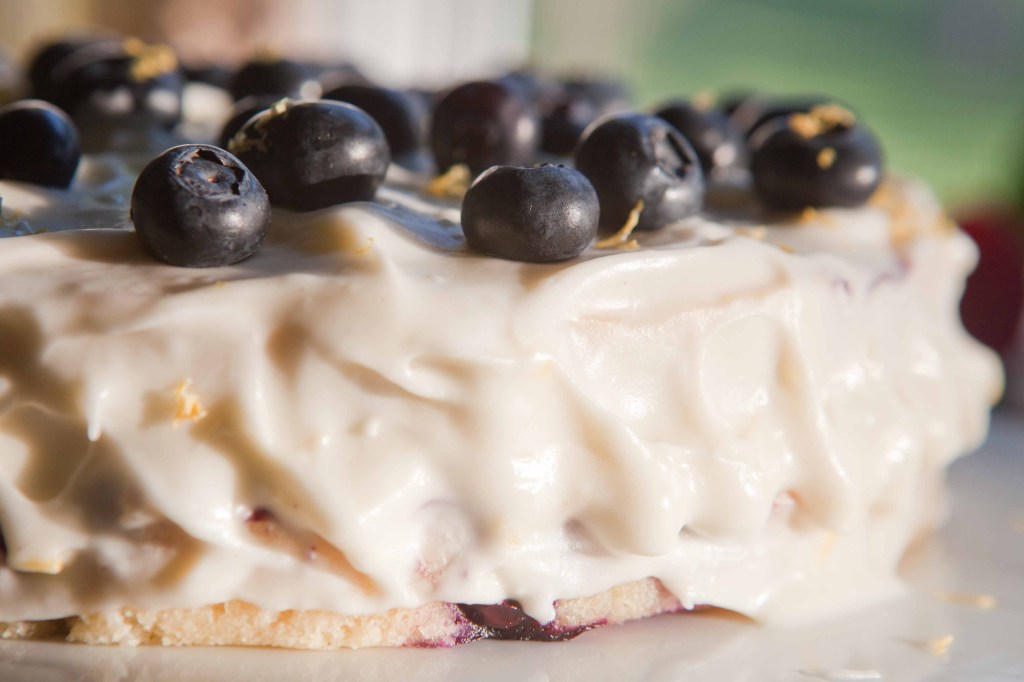 fresh lemon blueberry layer cake | via teacher-chef 4658