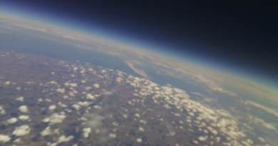 Picture of Team Alto Pii in the stratosphere