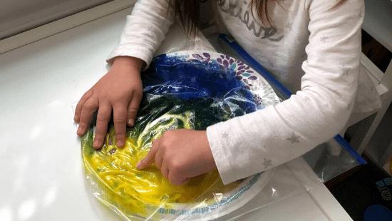 No-Mess Finger Paint Activity
