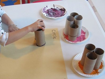 Painting with circles in preschool