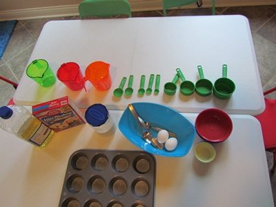 Measuring and mixing with a dash of new vocabulary in preschool