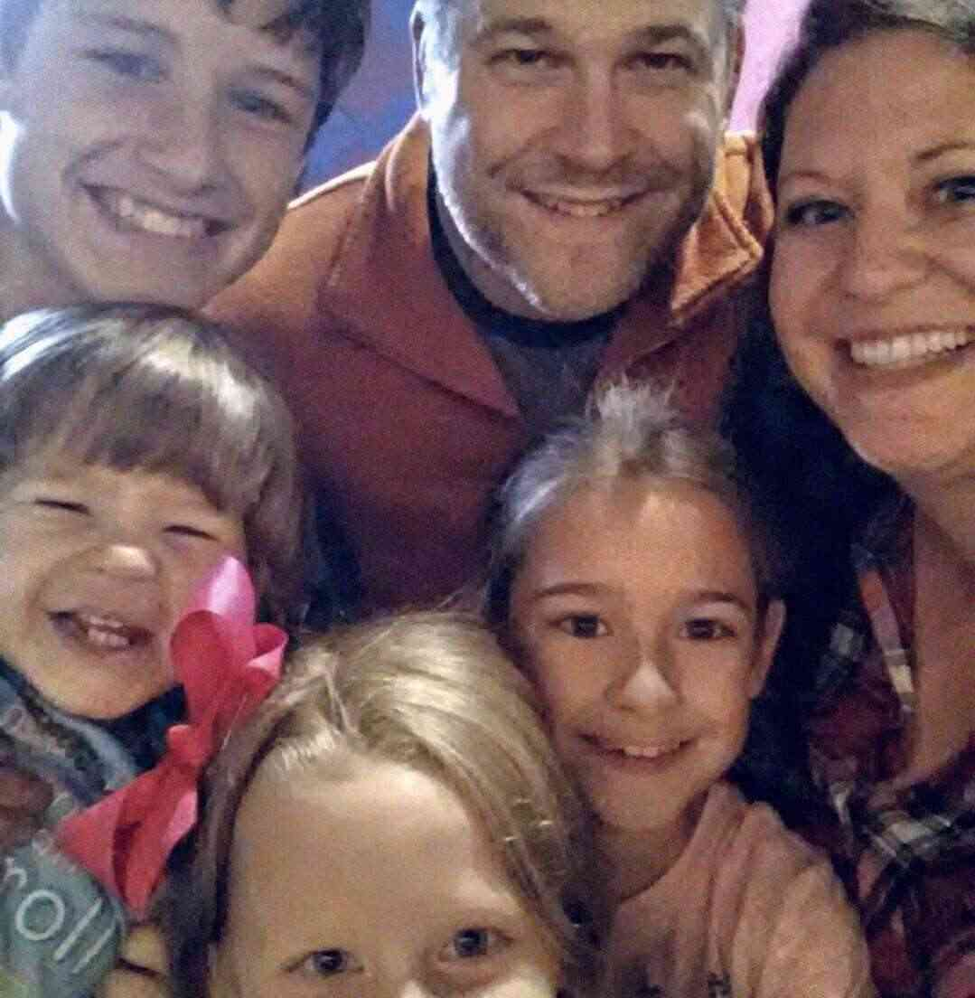 mcnally-mindy-featured-mom-family-of-6-teachworkoutlove.com