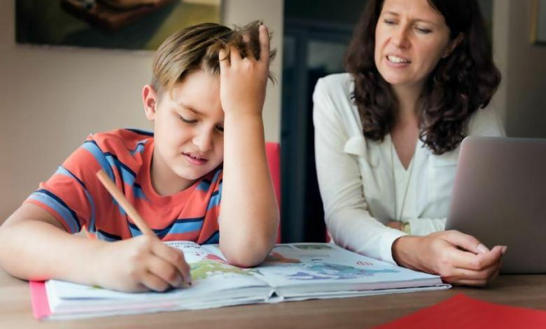 How to Manage Homeschooling as a Working Mom