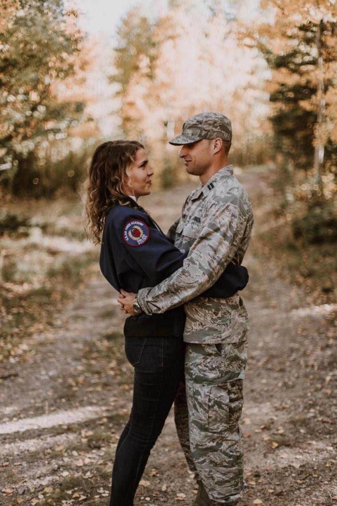 army-couple-love