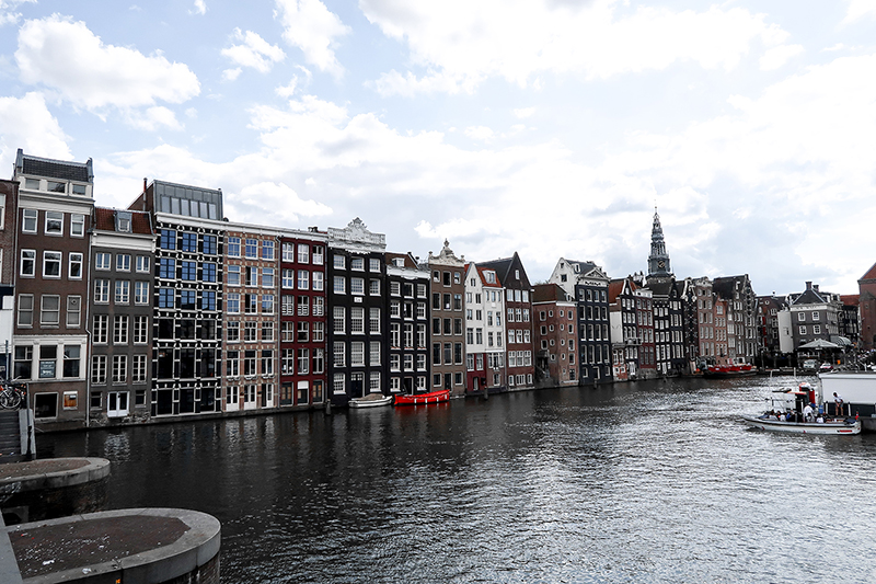 Packing two years in a suitcase. Amsterdam. The Hague