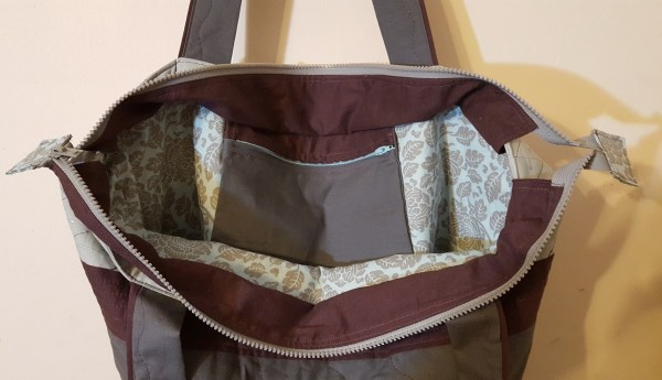 Super Mom Bag open closeup