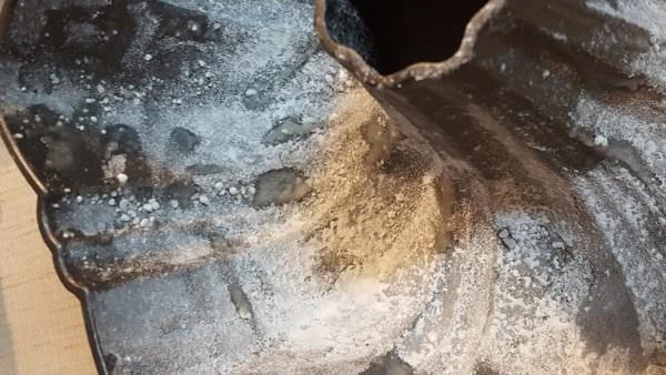 floured-pan