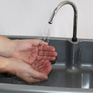 BigSynk hand and arm washing portable sink 7