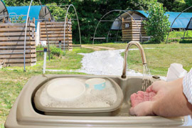 Portable hand washing sinks for outdoor pursuits and glamping by Teal