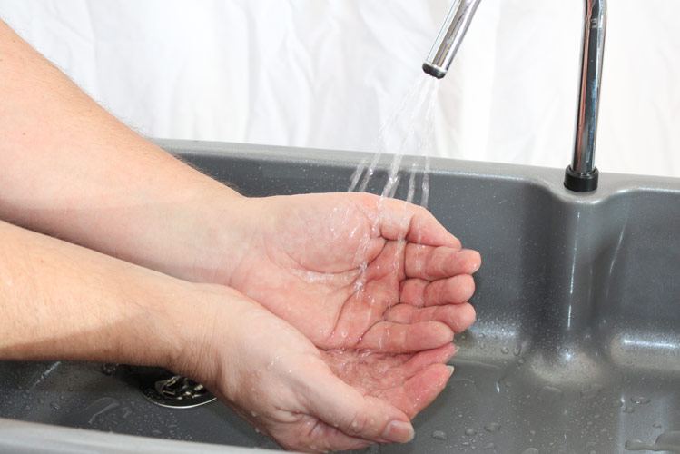 Australians need to wash their hands more often says report