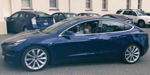 Produktive Produktion des Tesla Model 3