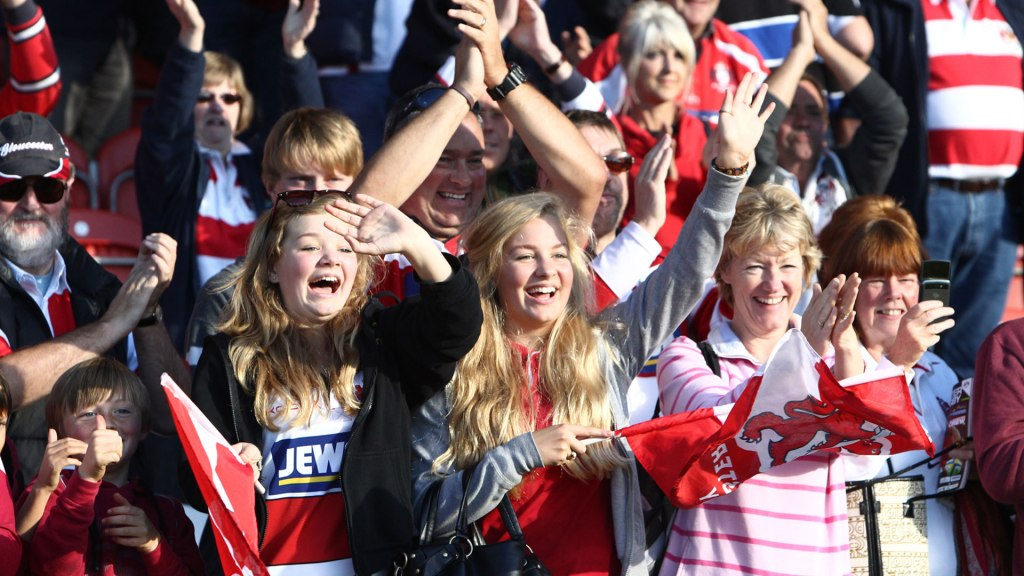 Gloucester Rugby fans cheering