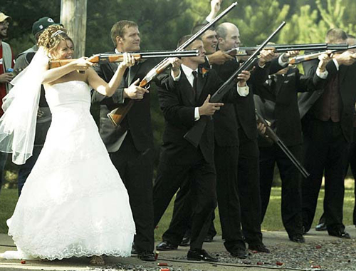 Wedding SHotguns, bride with gun Funny Wedding Pictures, bad wedding photography, stupid, awful, worst, wedding dresses