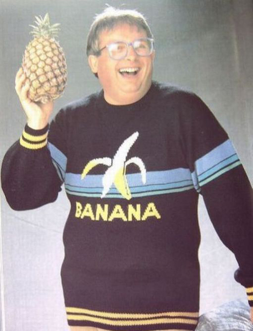 Banana sweater ugly sweater Family Portraits Bad Family Photos Ellen worst family pics funny pictures awkward family photos wtf ugly people stupid people crazy weird