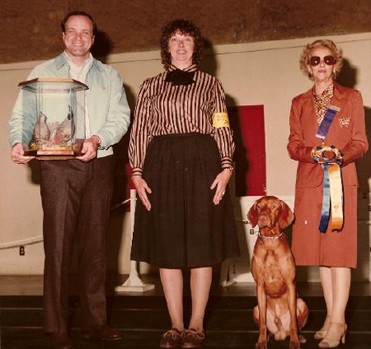 Oklahoma Animal Show Contest Winners Bad Family Portraits, Bad Family Photos, Ellen, funny family photos, worst family pics, funny pictures, awkward family photos, wtf, ugly people, stupid people, crazy people, people of walmart
