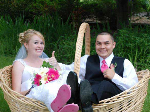 Funny-Wedding-Pictures-Basket