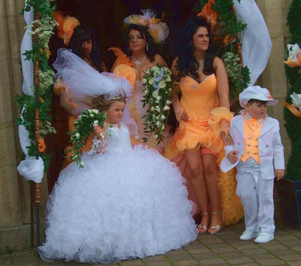 Gypsy Wedding Child Bride Funny Wedding Pictures Bad Wedding Photos Worst Wedding Pics Disasters Crazy Photography ideas
