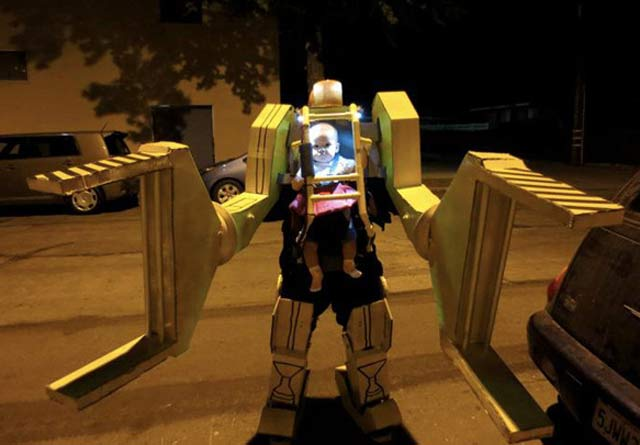 Alien II ~ 30 of the Best Kids Halloween Costumes