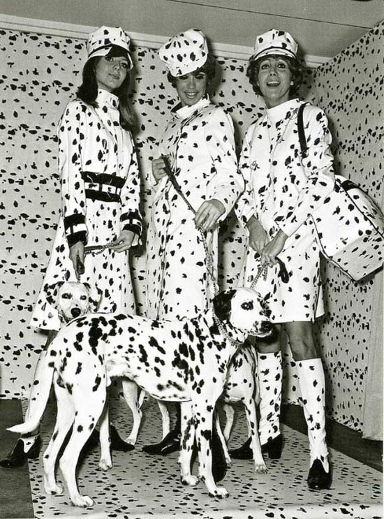 60s Sisters ~ ~ 15 Funny Family Pics