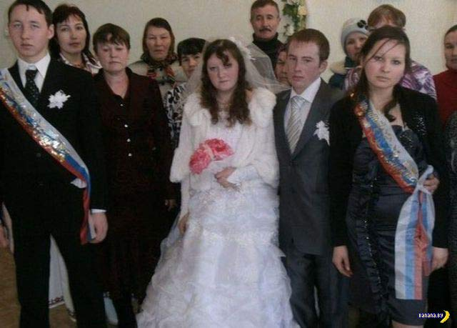 Unhappy Russian bridal party ~ 14 Funny Wedding Photos