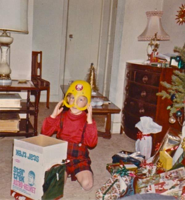 Vintage Star Trek Helmet ~ 27 Funny & Creepy Family Christmas Photos