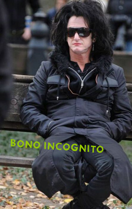 US Bono incognito look-a-like