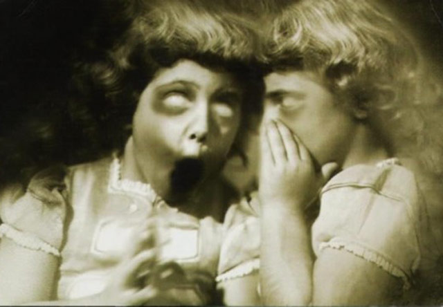 Creepy Old Vintage Photos~ scary girls screaming
