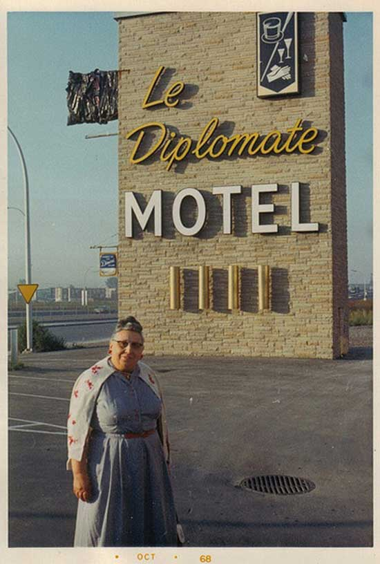 Vintage pic diplomate motel grandma awkward