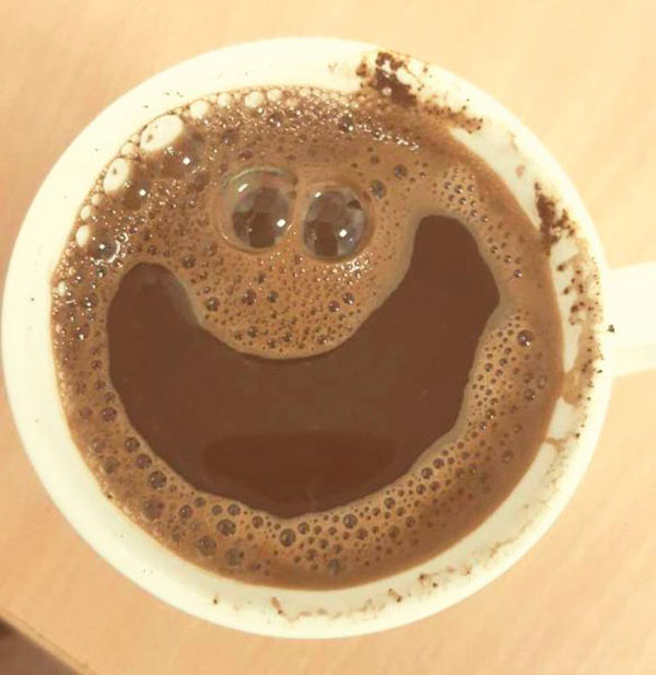 33 Funny Pics of the Day ~ smiling hot chocolate