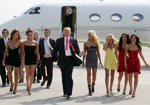 35 Funny Pics ~ donald trump leaving plane with babes models