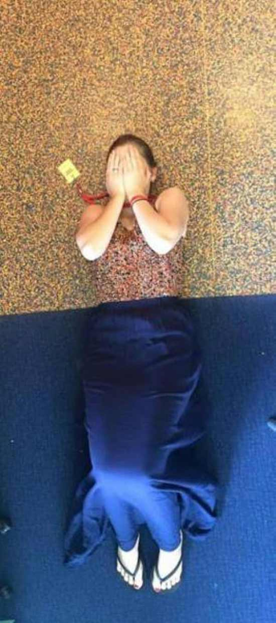 Funny Pics ~ 37 Outrageous Images ~ matching floor and outfit