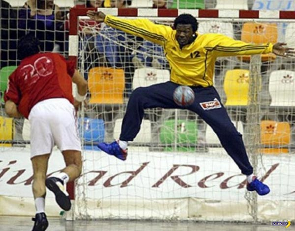 Funny Pics & Memes ~ Soccer goalie hit in nuts with ball