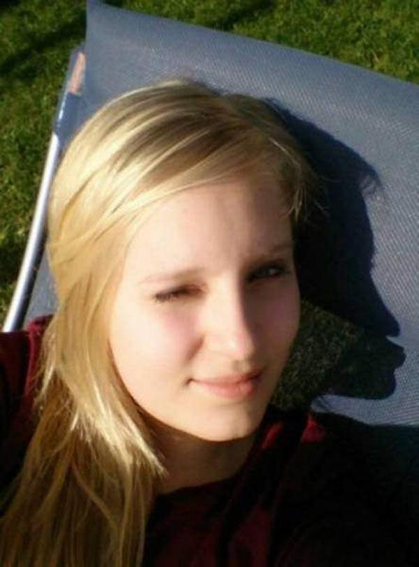 35 Funny Pics ~ funny shadow of girl
