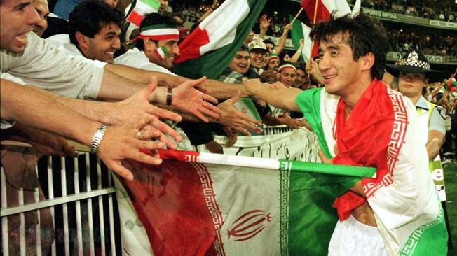 Khodadad Azizi celebrating with Iranian fans in Melbourne Cricket Ground 97