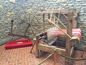 photo of Spinning wheel and loom