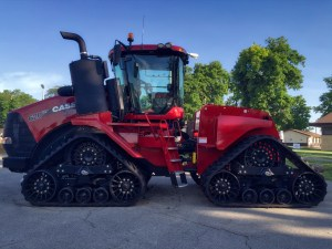 photo of the 620 Quadtrack tractor