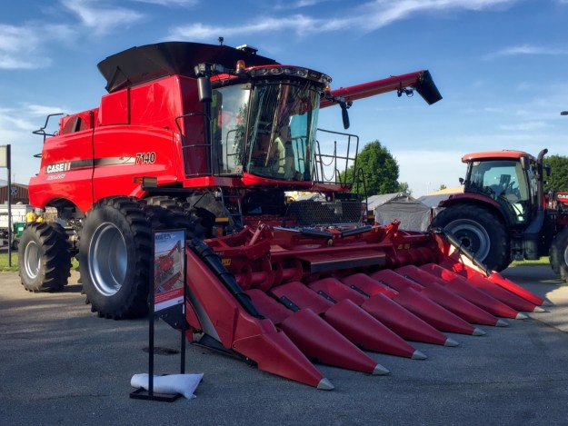 photo of the Modern 7140 axial flow combine