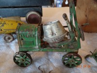 Phillipson Estate: Antiques, Collectibles, Guns, Tractor & Household Auction