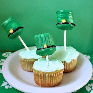 St. Patrick's Day Leprechaun Cupcakes