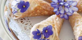 Brandy-Snaps-with-Lady-Grey-Cream