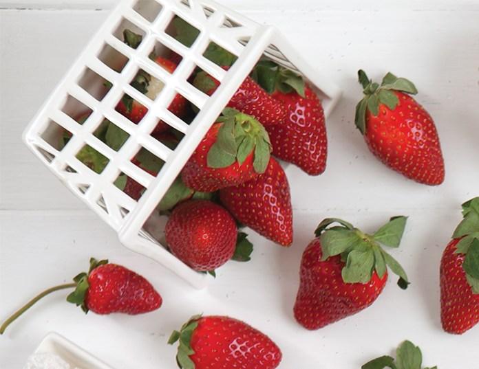 strawberry_opener