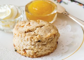 Apricot-Thyme Scones