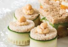 Roasted Garlic Hummus Tea Sandwiches