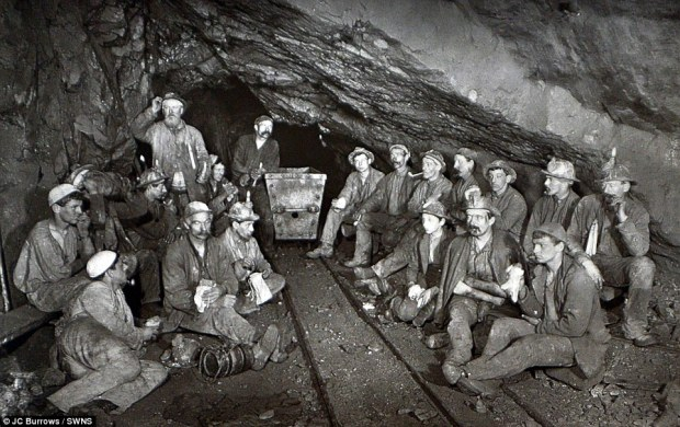miners eating pasties