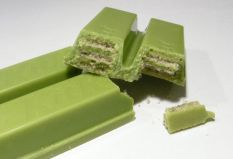 Matcha-flavored KitKat Bars