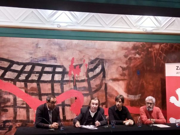 Al dolor del amor de Luis Merchan en rueda de prensa