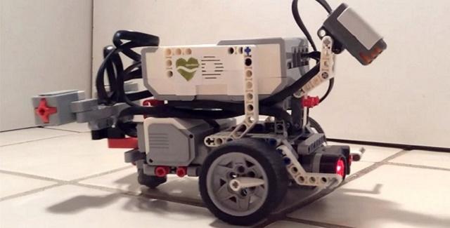 robot gusano lego