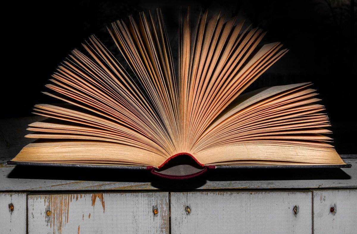 Tre testi teatrali contemporanei che ogni amante del teatro dovrebbe leggere