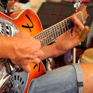 Caloundra Street Fair Guitar