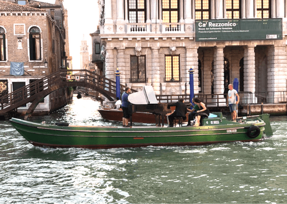 Games to play when seeing Venice with a small child